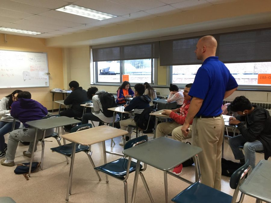 Casey+Bock%2C+math+teacher%2C+watches+over+his+freshman+class+while+in+block+scheduling.+