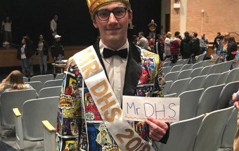 Nicolas Savo wins Mr. DHS 2018