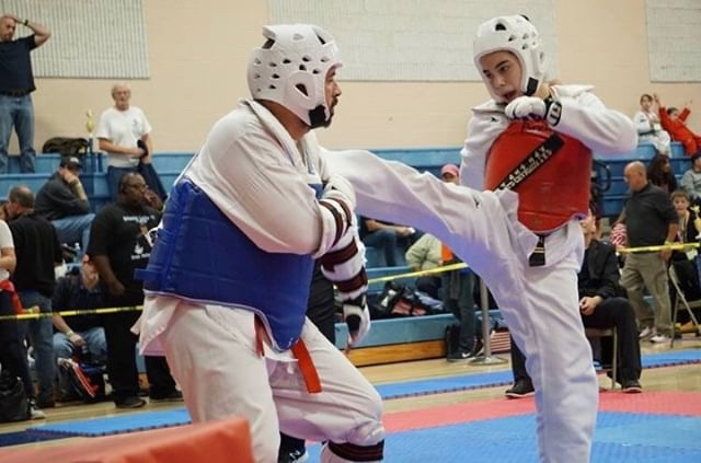 Andrea+Gonzalez+Mendoza+fights+in+a+recent+Taekwondo+tournament.+She+won+this+bout.
