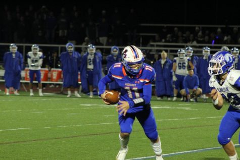 So. Jackson Ciccone runs to open field against Darien.